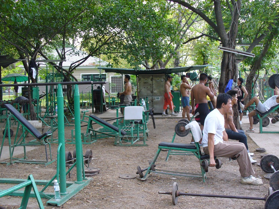 Thai Bodybuilders working hard at Lumphini Park.