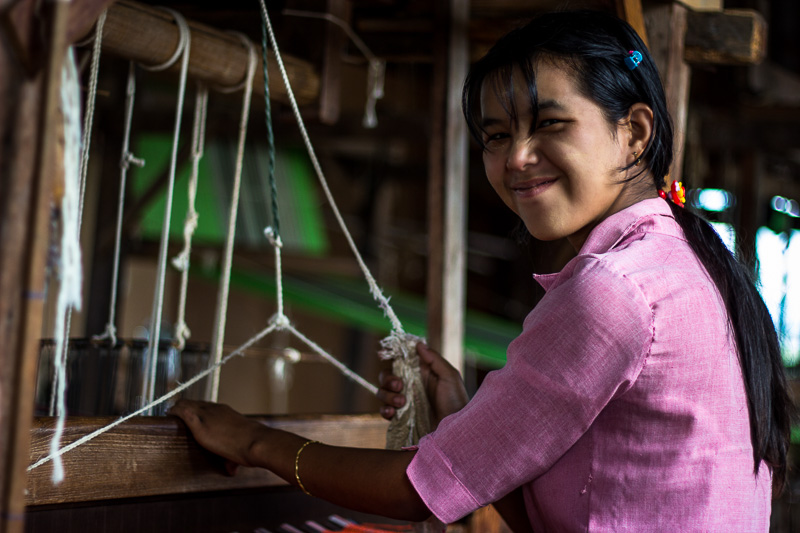 Traditional Weaving Inle Lake